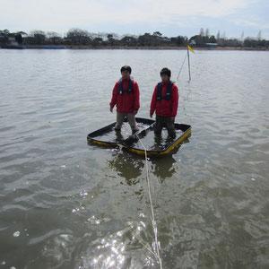 不沈構造浮力試験:船内に水が入っても浮いている
