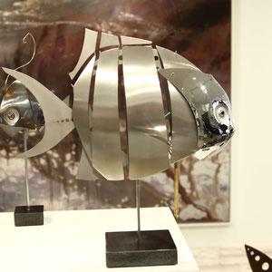 Mathias SOUVERBIE - FIX FISH - Réf galerie 250 - Dimensions : 47 x 29 x 45 cm - Inox, marbre noir, laiton / Fixe - DISPONIBLE