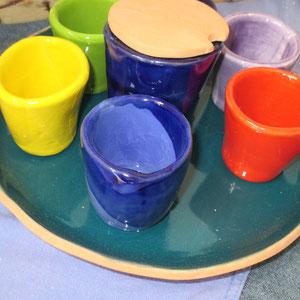 Tazzine e zuccheriera in ceramica. Le Terre di Rò