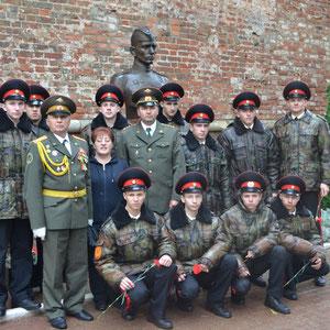 Памятник на могиле сержанта М. Егорова, водрузившего над рейхстагом Знамя Победы. Город Смоленск.