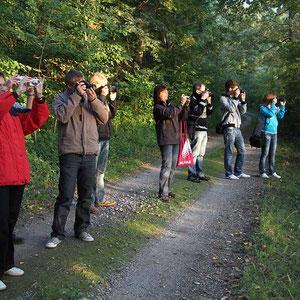 Die Teilnehmer beim Fotokurs im September 2010 beim praktischen Teil. (Fotoexkursion)