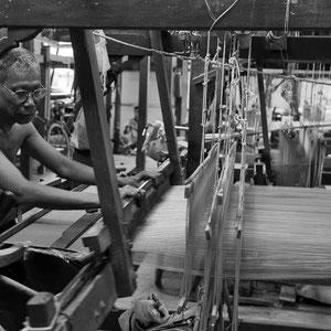 Myanmar people - in der Textilfabrik