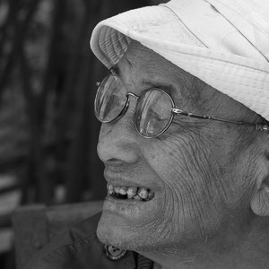 Myanmar people - Mann am Inle Lake