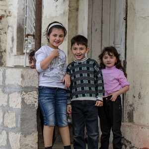 Azerbaijan - Fröhliche Kinder in Quba