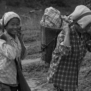 Myanmar people - Frauen im Norden von Myanmar - Putao