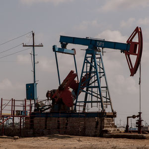 Azerbaijan - Ölpumpen auf der Halbinsel  Absheron