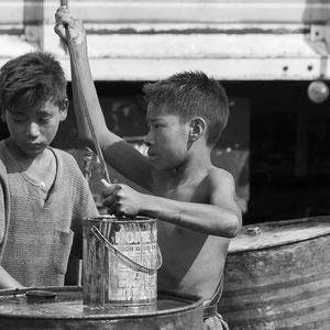 Myanmar people - arbeitende Kinder