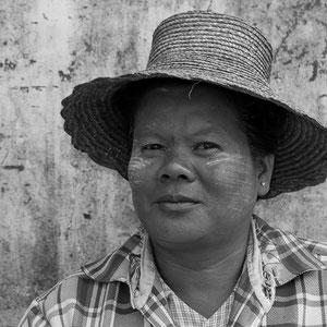Myanmar people - Frau auf dem Markt