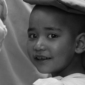 Myanmar people - junge Mönchin