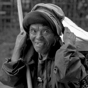 Myanmar people - Frau im Norden von Myanmar - Putao
