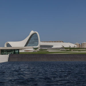 Azerbaijan - Das Heydan Aliev Cultural Center der irakisch-britischen Architektin Zaha Hadid in Baku