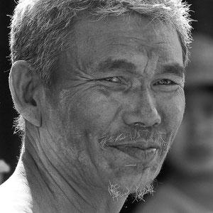 Myanmar people - Mann beim Inle Lake
