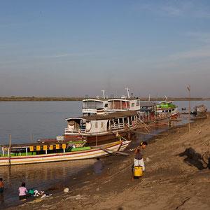 Bagan - Wir kommen mit dem Boot an.
