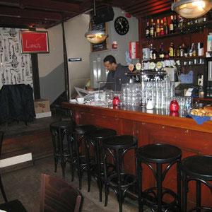 De bar nadat hetmooiewerk verbeteringen heeft aangebracht.