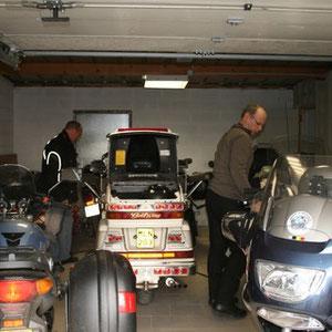 Le garage pour les motards du blockhaus
