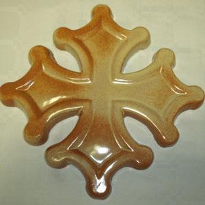 Croix occitane sans boules semi évidée diamètre 24 émaillé