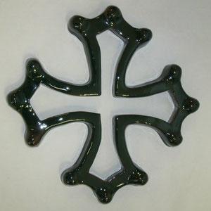 Croix occitane évidée diamètre 33 émaillé verte