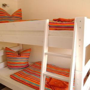 Kinderzimmer mit Stockbetten, ca 10 qm