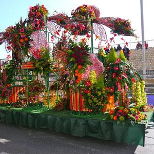 Karneval in Nizza ,Festwagen Blumenkorso