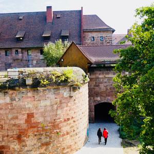 Stadtmauer in Nürnberg Sehenswürdigkeiten Deutschland Nürnberg