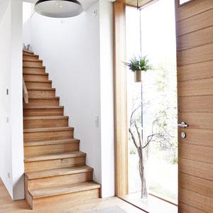 dieartige//Design Studio - Neubau // Eingang + Treppe