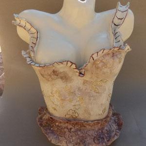 Eve, buste céramique avec dorure à la feuille