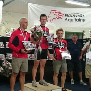 Les champions en vélomobile ; Yannick - Geoffroy - Sébastien