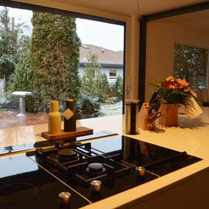 Ceran-Kochfeld, Lavagrill, Gas-Kochfeld auf der Kücheninsel
