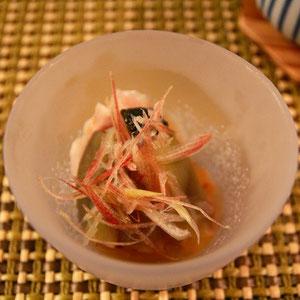 翡翠茄子と信濃地鶏の梅餡かけ 柔らか茄子に鶏が合う合う〜