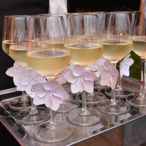 """LVMH > """"une pointe de jasmin"""", création de fleurs de papier/origami pour une soirée vin  Torrontes"""