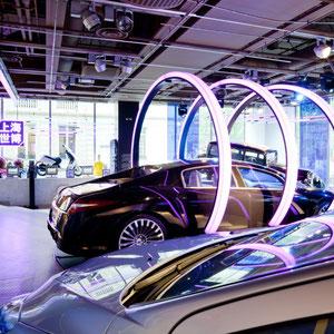"""PEUGEOT AVENUE X SAGUEZ&PARTNERS > """"shanghai expo"""". arches lumineuses à la manière de portes chinoises."""