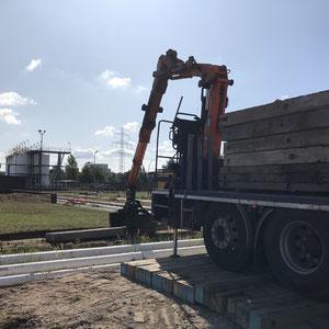 Baggermatten als Auflagepunkte für Mobile Brücke.