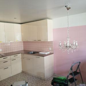 Küche neu streichen durch Malergeschäft Region Thun