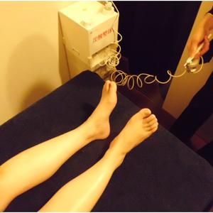 炭酸整体 足裏に炭酸ミスト噴射