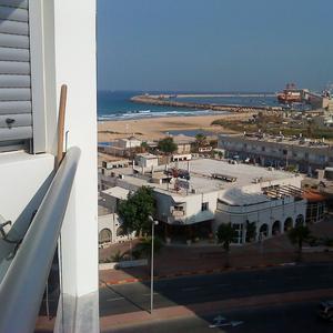 Vue Mer et Port de la terrasse