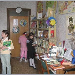 В дитячій бібліотеці