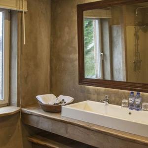 La Maison du Vivier, gîte Durbuy - Salle de bain 2. Douche à l'italienne