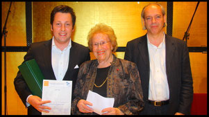 2011 Kornel Maciejowsky with Ks. Hilde Zadek and Dr. Christian Meyer (Schönberg Center). © Photo Fayer, 800x450pixel