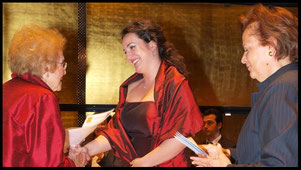 2009 KS Hilde Zadek with Monika Bohinec (3rd prize) and Prof. Maria Venuti © Foto Fayer, 800x450pixel