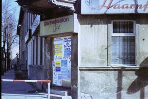 Wahlwerbung im März 1990 in Altglienicke Grünauer Str/Köpenicker Str. - heute Küche Aktiv (Bild: BVA)