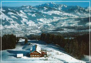 Berghaus Girlen mit Ebnat-Kappel im Hintergrund