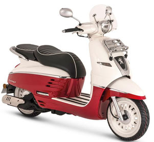 Location moto scooter Martinique