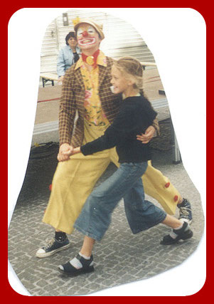 Geriatrie-Clown, Gesundheit-Clown, Klinik-Clown oder therapeutsicher Clown - das bedeutet für Angelina Haug alles dasselbe. Clown sein für zur Freude des Gegenübers.