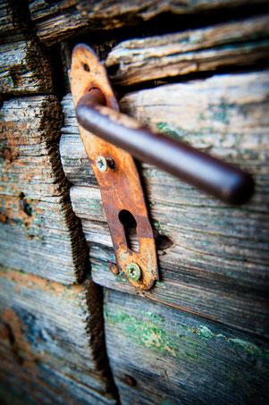 Hypnose + Hypnosetherapie öffnet die verschlossene Tür des Unterbewusstseins