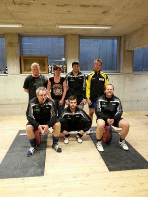 Mannschaft WKG AKI Innsbruck/USC Dornbirn mit Betreuerteam