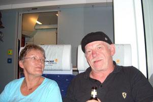 ... entspannt (?) im Glacier - Express