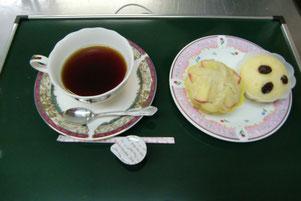 コーヒーとカップケーキのセット