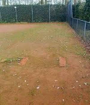 Schimmel am Tennisplatz, Sand schimmlig, Sportanlage verschimmelt, Moosbeseitigung, Algen Tennis, Sandplatz, Spielplatz, Sandkiste, Schimmelbeseitigung