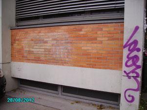nur geschützte Fassaden können wieder völlig gereinigt werden