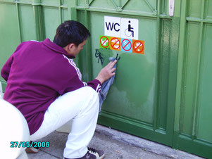 Graffiti Wipes entfernen Graffiti von versiegelten Metall oder Lack